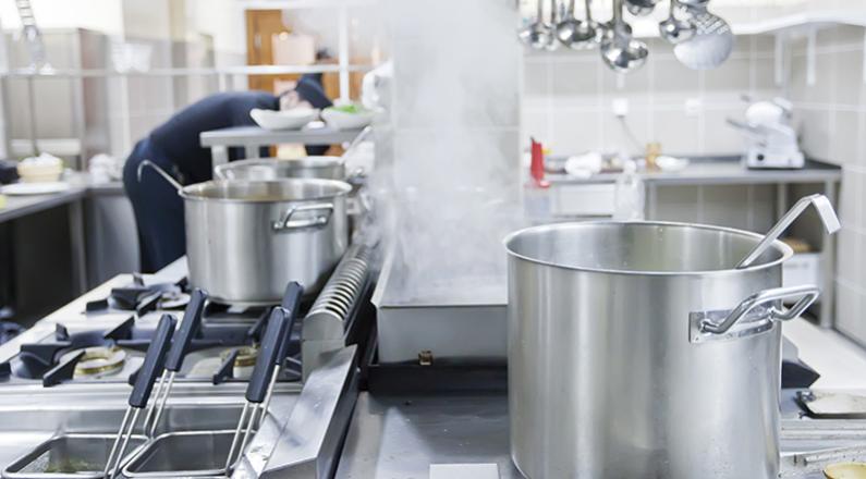 Le regole per la corretta igiene personale, degli alimenti e della cucina